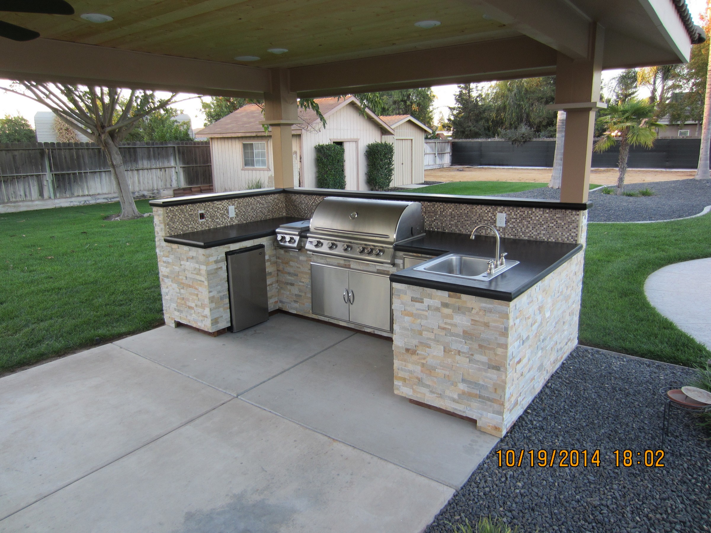 Wake construction merced county 39 s general contractor for Outdoor kitchen cabinets plans